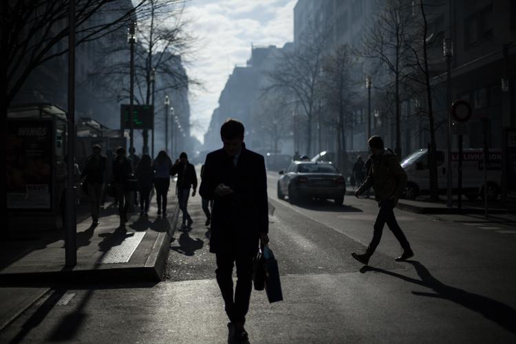 Silhouette dans les lacrymos, Nantes